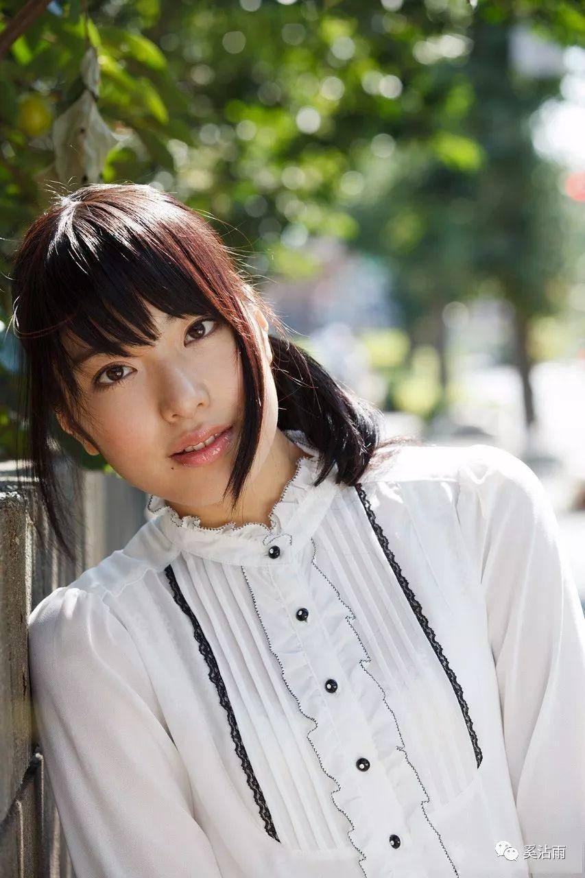 由爱可奈9月移籍MOODYZ,长瀬麻美重启摄影